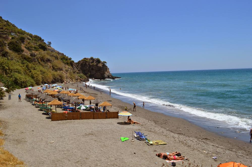 Playa-maro-nerja-2