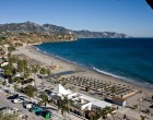 playa-burriana-nerja-1