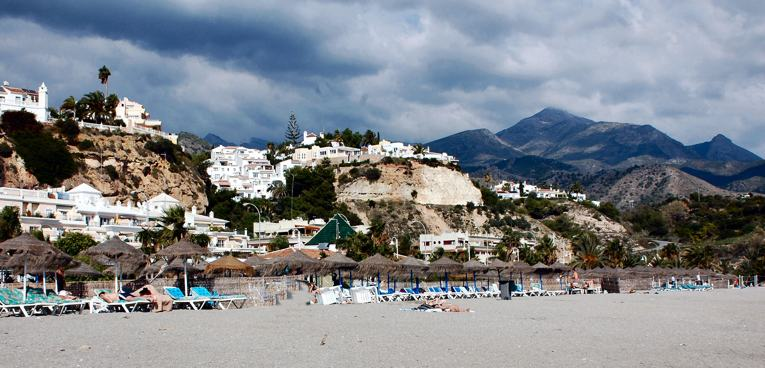 playa-burriana-nerja-5