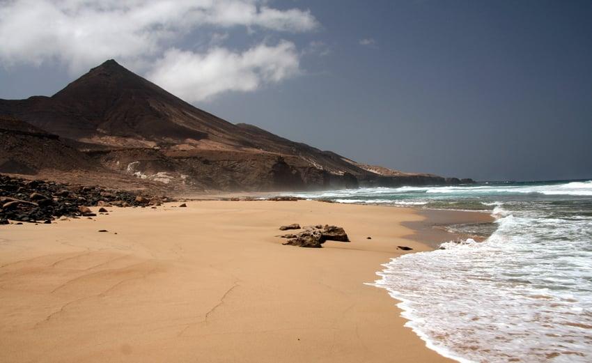 Cómo llegar a la Playa de Cofete y cómo es la carretera