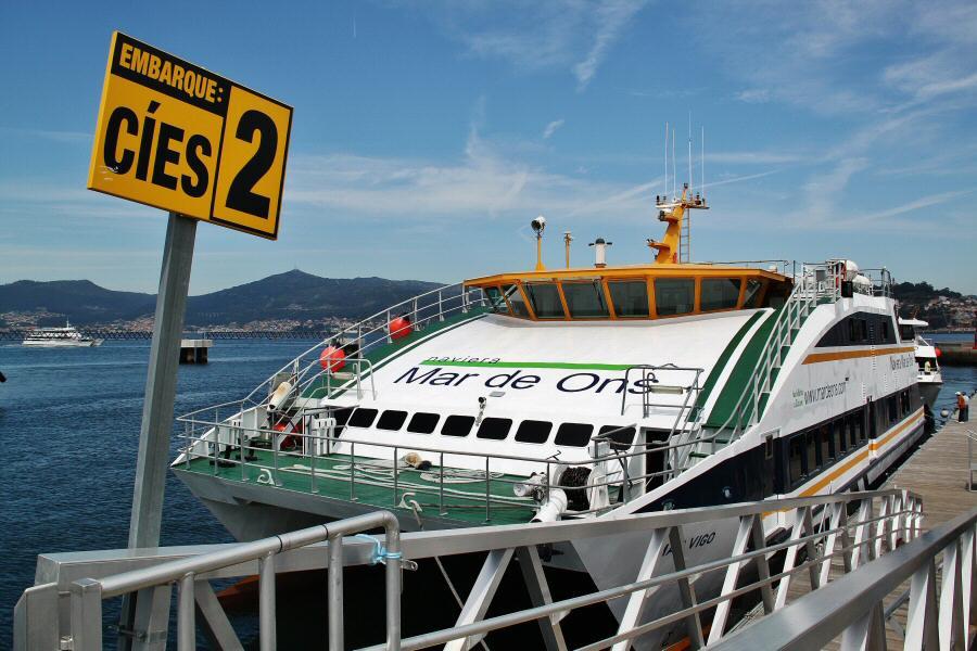 Playa-rodas-islas-cies-galicia-barco-8